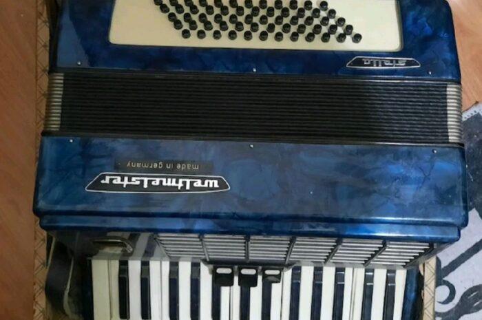 weltmeister akordiyon antika değerinde klasik bir müzik aleti